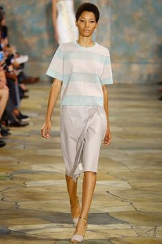 Tory Burch Spring 2016 Ready-to-Wear Fashion Show - Lineisy Montero