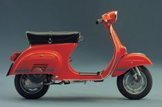 "Vespa 125 Primavera ET3, 1976 - The name stood for ""Electronic 3 intake ports"", and included important changes to the engine, which had more power and sparkle. Even the styling was changed from the standard Primavera (which remained in the range)."