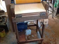 Projeto bem funcional para lixar madeira na espessura de tamos e laterais e fundo de madeira para luthier. ...