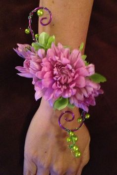 Pretty green and pink flower corsage Prom Corsage And Boutonniere, Corsage Wedding, Wedding Bouquets, Boutonnieres, Wrist Flowers, Prom Flowers, Wedding Flowers, Flower Corsage, Wrist Corsage