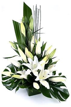 nice Lily Flower Arrangement to Refresh Your Mind