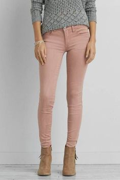 Shop Women's American Eagle outfitters size 00 Skinny at a discounted price at Poshmark. Description: American Eagle stretch skinny jeans size 00 with 32 inseam excellent condition. Pink Jeans Outfit, Jeggings Outfit, Pink Pants, Brown Pants Outfit, Jeans Leggings, Shirt Outfit, Jean Outfits, Fall Outfits, Casual Outfits