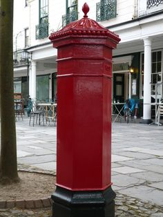 Royal Tunbridge Wells The Pantiles, red letter box..♔...