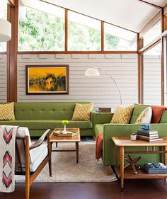 Midcentury Modern Decor & Style Ideas: Tips for Interior Design. Midcentury design is one trend that shows no sign of going away. Learn about midcentury modern decor and discover the best ways to incorporate the style Mid Century Modern Living Room, Mid Century Modern Decor, Mid Century House, Mid Century Modern Furniture, Mid Century Modern Bedroom, 1970s Living Room, Palm Springs Mid Century Modern, Mid Century Modern Chandelier, Mid Century Bar