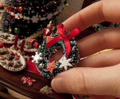 Christmas Wreath - Dollhouse miniature in 1:12 scale by Hummingbird Miniatures, via Flickr