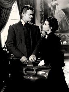 Scarlett O'Hara Butler (Vivien Leigh) and Rhett Butler (Clark Gable) Vivien Leigh, Rhett Butler, Scarlett O'hara, Darjeeling, Old Movies, Great Movies, Classic Hollywood, Old Hollywood, Wind Fan