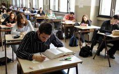 Maturità 2015: Ecco le tracce della prima prova di domani Domani 17 giugno, gli studenti di tutta Italia, torneranno a sedersi sui banchi delle loro scuole, per sostenere la prima prova dell'esame di maturità, e sapere in anticipo le possibili tracce sarebb #maturità #esami #prova
