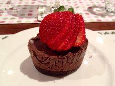 Raw Chocolate Cream Cakes