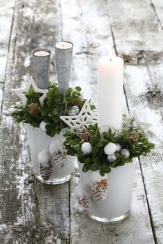 White Christmas Candles and White Stars. White Christmas Candles and White Stars. Source by acraftedpassion Noel Christmas, Rustic Christmas, Christmas Projects, Winter Christmas, Winter Porch, Elegant Christmas, Outdoor Christmas, Christmas Candle Decorations, Christmas Candles