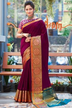 Dark Magenta Khadi silk saree with magenta jacquard silk blouse, embellished with woven zari work. Saree with Boat Neck, Short Sleeve. It comes with unstitch blouse, it can be stitched to 32 to 44 sizes. #dark magenta #khadi silk #saree #blouse #Andaazfashion #UK
