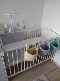 Crochet baskets and miscs for our baby (my wifes work). Baby Room Design, Baby Room Decor, Crochet Wallet, Diy Bebe, Baby Boy Rooms, Crochet Home, Baby Knitting, Cribs, Crochet Baskets