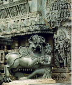 Sculpture of the Hoysala emblem in the Chennakeshava temple at Belur Indian Temple Architecture, Ancient Architecture, Art And Architecture, Shiva Art, Hindu Art, Hindus, Southeast Asian Arts, Emblem, Religious Art