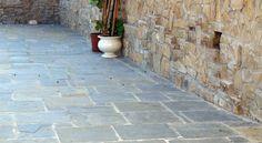 Porfido Misure Miste a Correre e Ciottoli Tranciati - Pavimenti per esterni in pietra naturale | Appia Antica Srl
