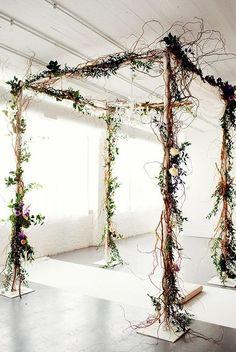 altar para casamento rústico com galhos secos