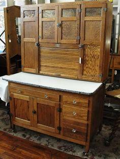 Antique Hoosier Cabinet, Antique Kitchen Cabinets, Primitive Cabinets, Old Cabinets, Kitchen Cabinet Design, Vintage Kitchen, Glass Kitchen, Green Kitchen, Hoosier Mama