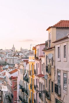 8 Things You Cannot Miss in Lisbon, Portugal | Heading to Lisbon and wondering what to do? I have narrowed down my list to 8 things you absolutely cannot miss! The best non-cliche, off-the-beaten-path things to see, do, eat, and drink.