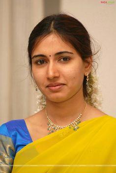 Beautiful Girl Photo, Beautiful Girl Indian, Most Beautiful Indian Actress, Beautiful Saree, Beautiful Women, Cute Beauty, Beauty Full Girl, Beauty Women, Actress Without Makeup