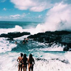 Surfing Beauties
