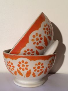 Vintage orange bowl,café au lait