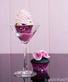 cupcake en copa16 Cake Photography, Food Photography Styling, Food Styling, Banana Split, Betty Crocker, Sweet 16 Cupcakes, Cupcake Photos, Spanish Food, Amor