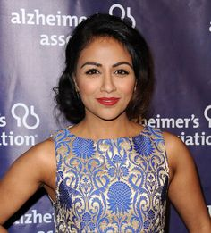 Pin for Later: Once Upon a Time: The New Characters Heading to Storybrooke in Season 6 Karen David as Jasmine The Galavant star will make her debut as the Disney princess in episode four.
