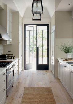 Trendy Kitchen Layout With Door To Outside Ideas Living Room Kitchen, Home Decor Kitchen, New Kitchen, Kitchen Ideas, Kitchen Modern, Kitchen Black, Hickory Kitchen, Neutral Kitchen, Long Kitchen