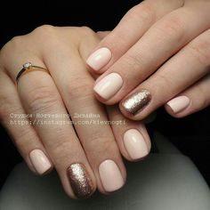 Glitter Nail Art Step by Step Tutorial Gold Gel Nails, Rose Gold Nails, Sparkle Nails, Glitter Nail Art, Hair And Nails, My Nails, Natural Gel Nails, Accent Nails, Long Nails