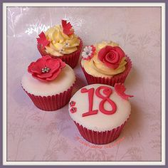 red and white roses cake 18 - Cerca con Google