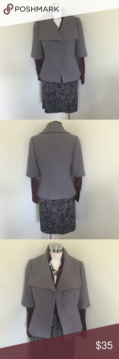 Ann Taylor Short Sleeve Gray Wool Jacket Sz S 2 4 Label-Ann Taylor Style-Short Sleeve Boiled Wool Jacket, fully lined, snaps closed, runs big Measurements-B-40,W-32,H-42 Length from underarm to hem-25 Color-Gray (Hint of Lavender) Fabric-Wool, Lining- Poly/Spandex Size-S will fit up to a M 4 6 Condition-NWOT Origin-China Ann Taylor Jackets & Coats Blazers