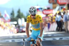Stage 13: Saint-Étienne - Chamrousse 197.5km - Vincenzo Nibali (Astana) defends his yellow jersey as he wins stage 13.