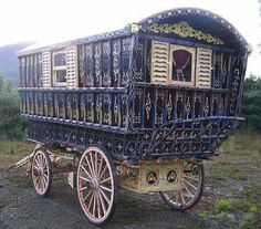 Gypsy Caravan, Gypsy Wagons and Vardos: Articles and Features Bohemian Gypsy, Gypsy Style, Hippie Style, Bohemian Style, Gypsy Caravan Interiors, Estas Tonne, Gypsy Trailer, Gypsy Culture, Gypsy Home