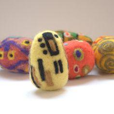 Christmas decor Felted wool egg G Klimt The Kiss art by astashtoys, $10.00