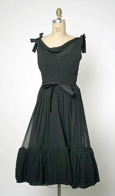 Dress, Evening.  House of Balenciaga (French, founded 1937).  Designer: Cristobal Balenciaga (Spanish, 1895–1972). Date: 1955. Culture: French. Medium: silk.