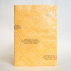 Japanese Yuzen Washi Card Holder - Shippou Circle Shade Orange Japanese Minimalism, Oyster Card, Travel Cards, Japanese Patterns, Unique Cards, Japanese Culture, Card Holders, Pattern Paper, Red Gold