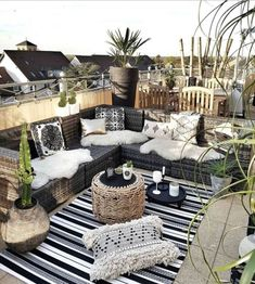 Boho chic rooftop b # roof terrace - Toit Terrasse - Terrasse Design, Patio Design, Balcony Design, Rooftop Design, Roof Terrace Design, Window Design, House Design, Outdoor Lounge, Outdoor Spaces