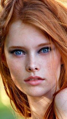 Cinnamon Copper Hair Colors and Cinnamon Copper Hair Color Dye Cinnamon copper, which is a hair color that suits the spring and summer season, is an ideal color for those who want to enter this summer with a dif… HAIRSTYLE Beautiful Freckles, Beautiful Red Hair, Beautiful Eyes, Beautiful Models, Red Hair Freckles, Redheads Freckles, Stunning Redhead, Gorgeous Redhead, Red Hair Woman