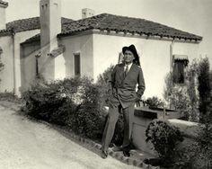 My Love Of Old Hollywood: Hollywood at Home: Rudolph Valentino& Falcon Lair Hollywood Homes, Hollywood Actor, Hollywood Stars, Silent Film Stars, Movie Stars, Valentino Tango, Valentino Men, Harry Carey, Doris Duke