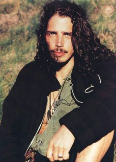 chris cornell young | Chris Cornell - 90s hottie