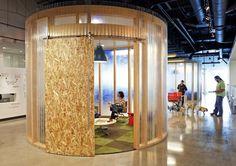 SDR OSB au milieu d'un open space AOL Offices - Palo Alto