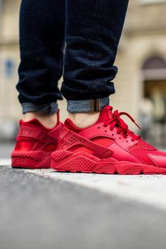 NIKE Air Huarache Varsity Red #nike #sneakers #red