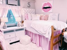 Shop Dormify for the hottest dorm room decorating ideas. You'll find stylish college products, unique room and apartment decor, and dorm bedding for all styles. College Bedroom Decor, Cool Dorm Rooms, College Room, Teen Room Decor, Preppy Dorm Room, Teen Bedroom, Dorm Bedding Sets, Dorm Room Designs, Interior Exterior