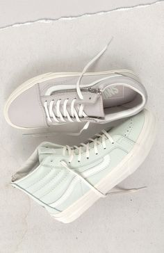 Premium Leather Looks  Classics upgraded in premium leather. Vans Sneakers 6e9439f24