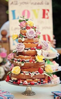 I Love this unfrosted cake, so eclectic, flowers and berries! My kind of cake! Beautiful Wedding Cakes, Beautiful Cakes, Amazing Cakes, Cheap Wedding Cakes, Wedding Cake Designs, Cake Design Inspiration, Wedding Cake Inspiration, Wedding Ideas, Party Wedding