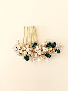Delicate Bridal Hair Comb https://www.etsy.com/listing/462887479/emerald-hair-comb-bridal-hair-comb-pearl