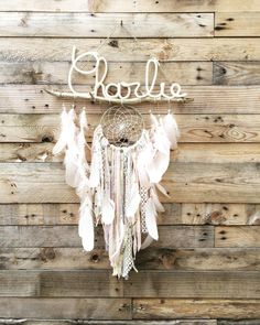 dream catcher enfant CHARLIE Dreams Catcher, Dream Catcher Decor, Lace Dream Catchers, Dream Catcher Nursery, Dream Catcher Mobile, Baby Crafts, Diy And Crafts, Arts And Crafts, Dream Catcher Tutorial
