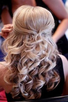 wedding hair half up half down, so hard to decide---do my hair like this for Rachel's wedding next summer!