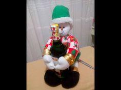 Teleamiga Aprenda y venda Muñeco de Papá Noel - YouTube Christmas Crafts, Merry Christmas, Dory, Elf On The Shelf, Gnomes, Ideas Para, Christmas Stockings, Snowman, Holiday Decor