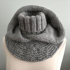 New crochet baby shawl pattern ravelry Ideas Crochet Baby Shawl, Crochet Beanie, Crochet Lace, Knitted Hats, Ravelry Crochet, Knitting Paterns, Baby Knitting, Christmas Scarf, Christmas Knitting