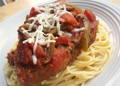 Slow Cooker Pork Cacciatore - Boneless pork chops are slow-cooked in a tomato sauce filled with onions, bell pepper, mushrooms, garlic, whit. Crock Pot Recipes, Pork Recipes, Slow Cooker Recipes, Cooking Recipes, Crockpot Meals, Crockpot Dishes, Chicken Recipes, Copycat Recipes, Yummy Recipes