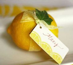 Cute lemon place card idea!